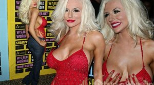 Model Courtney Stodden'in Striptiz merakı!