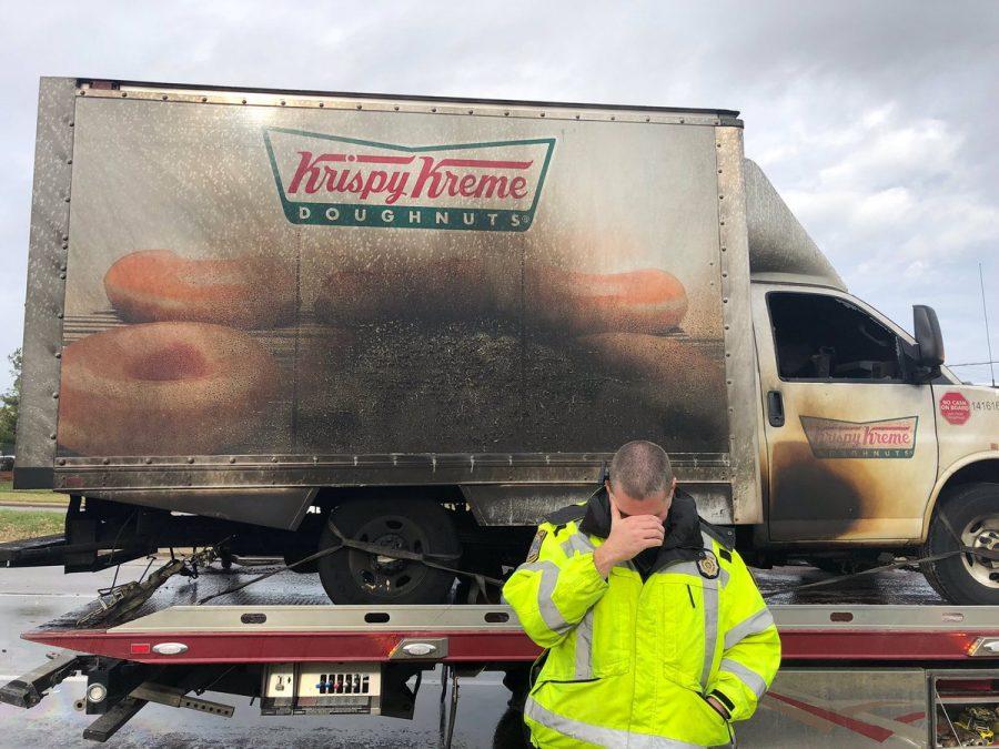 ABDli polisler yanan donut kamyoneti için yasta