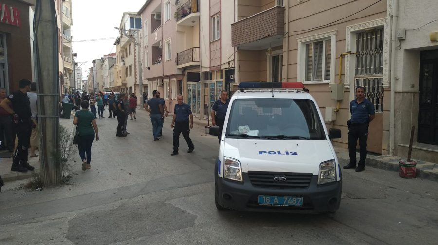 a0eaf828eaf84 Bursa'da Demirtaş Mahallesi'nde iki aile kavga etti! - Bursa Haberleri -  Bölge Haberleri - m.bursadabugun.com