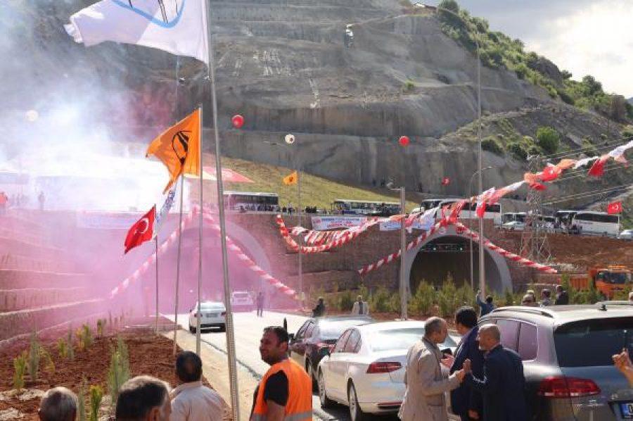 Erkenek Tüneli'nden İlk Bakan Ahmet Arslan ve Bakan Bülent Tüfenkci Geçti