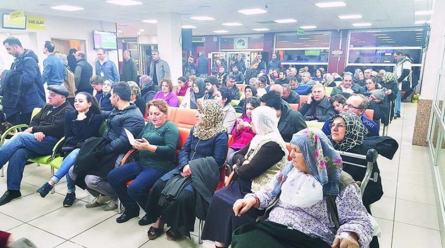 kalabalık hastane ile ilgili görsel sonucu
