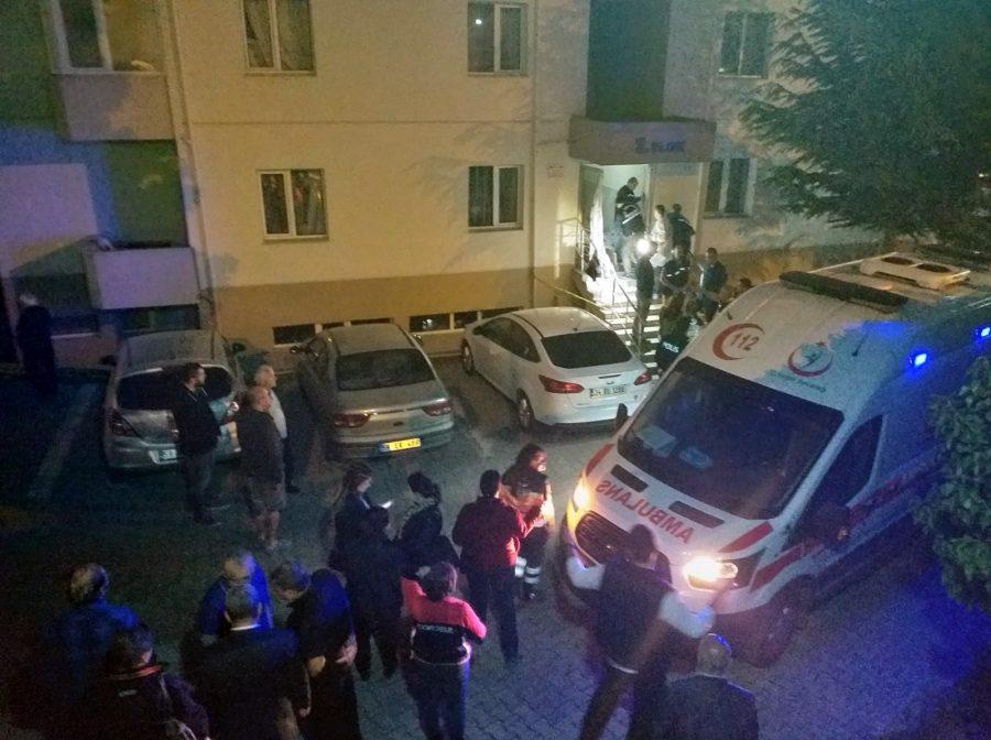 Tekirdağ'ın merkez ilçesi Süleymanpaşa'da 72 yaşındaki bir kadın, oturduğu apartman girişinde bıçaklı saldırıya uğradı. 25'ten fazla bıçak darbesi alan kadın hayatını kaybetti. ile ilgili görsel sonucu