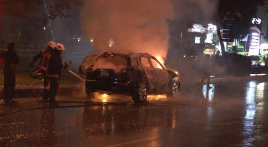 İstanbul'un göbeğinde cipini yaktı, hızını alamadı... ile ilgili görsel sonucu