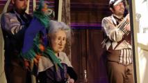 Yaşlı Kadın ve Papağan Bursa Tiyatro