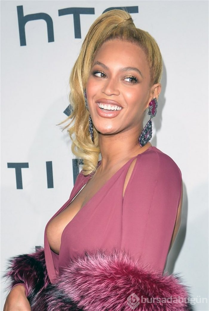Beyonce looks busty as she enjoys a date night with jay z the scottish sun