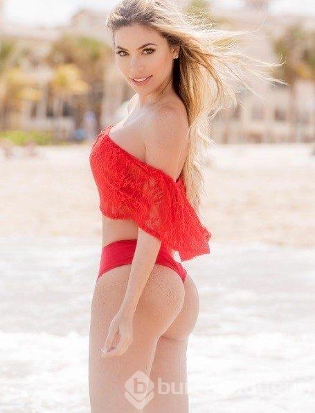 Sexy Blonde Latina Model Daniela Tamayo Perfect Legs In Bikini Holed 1