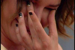 Hande Atazi böyle ağladı