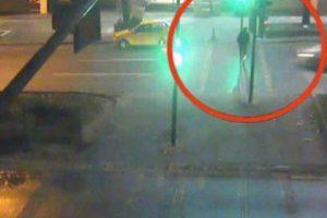 Ehliyetsiz sürücü dehşeti kamerada