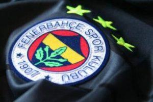 Fenerbahçe ezeli rakiplerine geçit vermiyor
