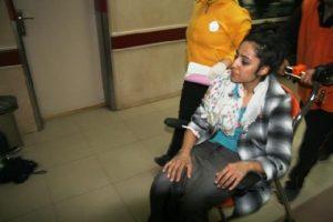 Motosiklet devrildi, baba ile kızı yaralandı