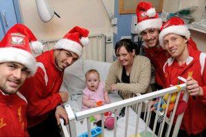 Liverpool'lu oyunculardan 'gizli' hastane ziyareti