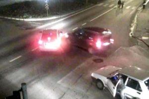 İlginç kazalar MOBESE'de!