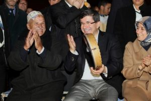 Davutoğlu Marakeş'i gezdi