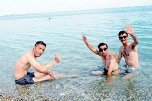 Uğur Acar ile Turan Çolak'ın deniz keyfi