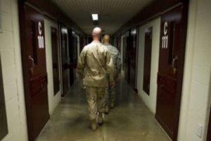 Karzai'den Guantanamo çağrısı