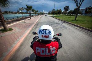"""""""Motosikletli Polis"""" açık ara önde"""