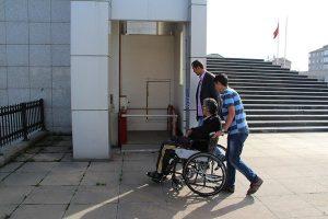 Yaşlı ve engellilere hizmet