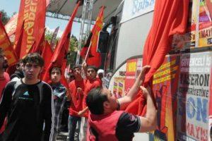 Türk bayrağına saldıranlara soruşturma