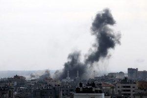 Gazze'ye uçak düştü
