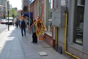 Galatasaray bayrakları yok satıyor