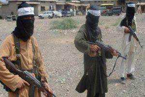 Taliban, 33 polisi kaçırdı