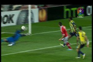 Cardozo Benfica'yı 3-1 öne geçirdi