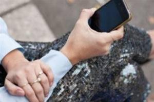 'Cep telefonu vücuttan uzak tutulmalı'