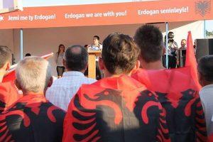 Arnavutluk'ta Erdoğan'a destek mitingi