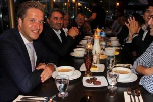 Hristiyan partiden iftar