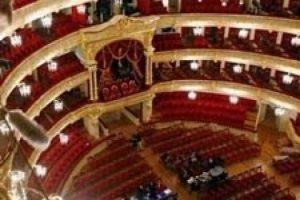 Dünyaca ünlü tiyatroda inanılmaz ölüm!