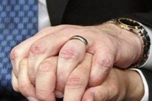 Eşcinsel iki mahkum cezaevinde evlendi