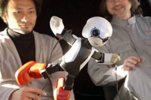 İlk astronot robot uzayda