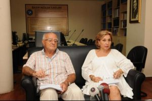 """""""Gazetecilerin özgürleştirilmesini  talep ediyoruz"""""""