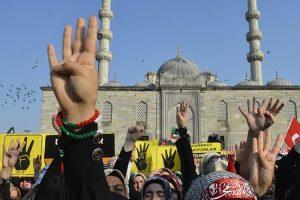 Mısır'daki katliama İstanbul'da protesto