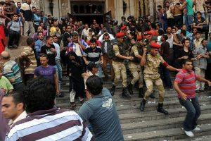 Türk gazetecilere Mısır'da gözaltı