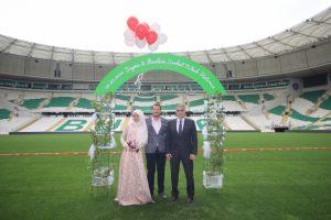 Muhendisi Oldugu Bursa Timsah Arena Da Evlendi Bursada