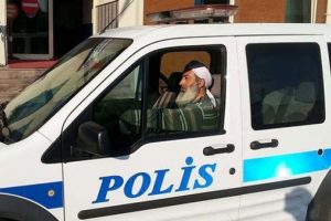 Sarikli Sakalli Polis Memuru Aciga Alindi Bursada Bugun Bursa