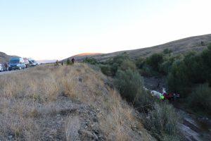 Bursa plakalı araç dereye uçtu: 1'i bebek 2 ölü, 6 yaralı