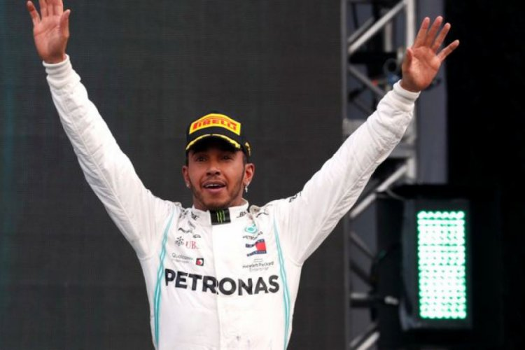 Lewis Hamilton şampiyonluğunu ilan etti