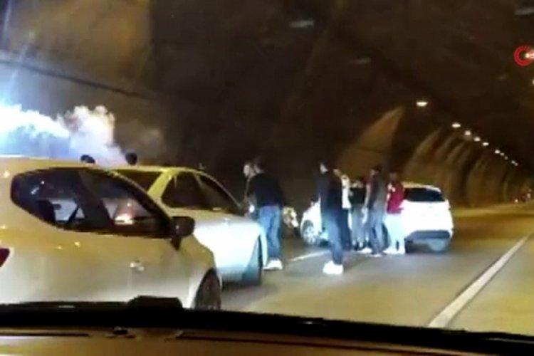 Asker uğurlamak için tüneli kapattılar, motosikletle drift ...
