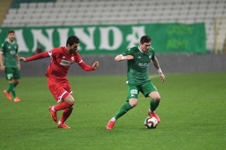 Bursaspor şampiyonluk iddiasını sürdürüyor