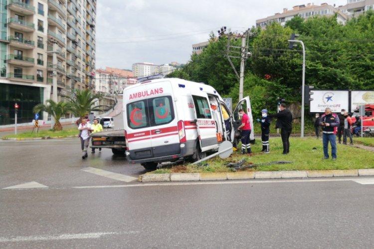 Ambulansla otomobil çarpıştı - Bursada Bugün - Bursa bursa haber ...