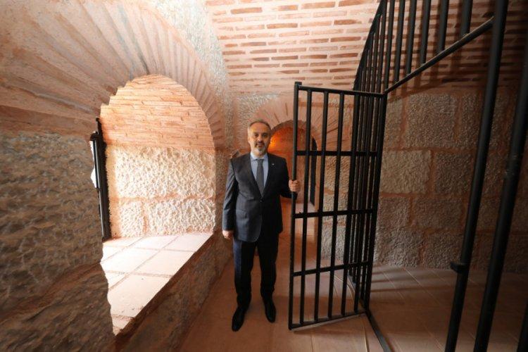 Bursa'da Zindan Kapı restorasyonunda sona doğru