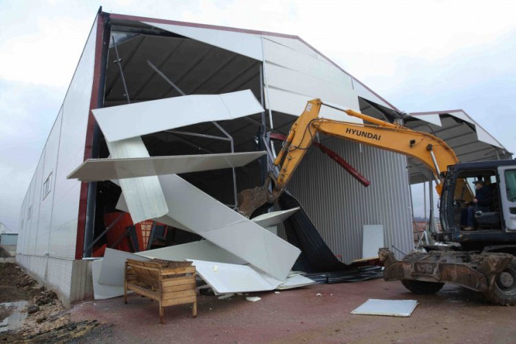 Bursa Nilüfer'de kaçak yapılar tek tek yıkılıyor