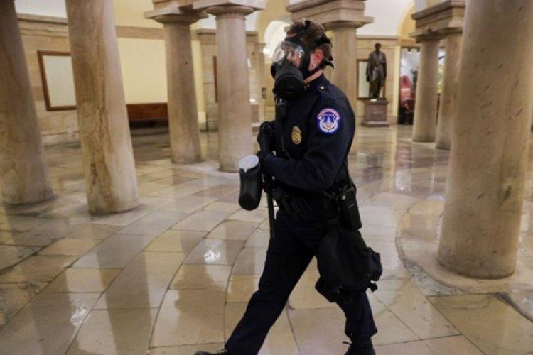 ABD'de Trump destekçileri Kongre binasını bastı