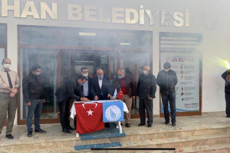 Bursa Büyükorhan'da zammı duyan personel sevinçten havalara uçtu