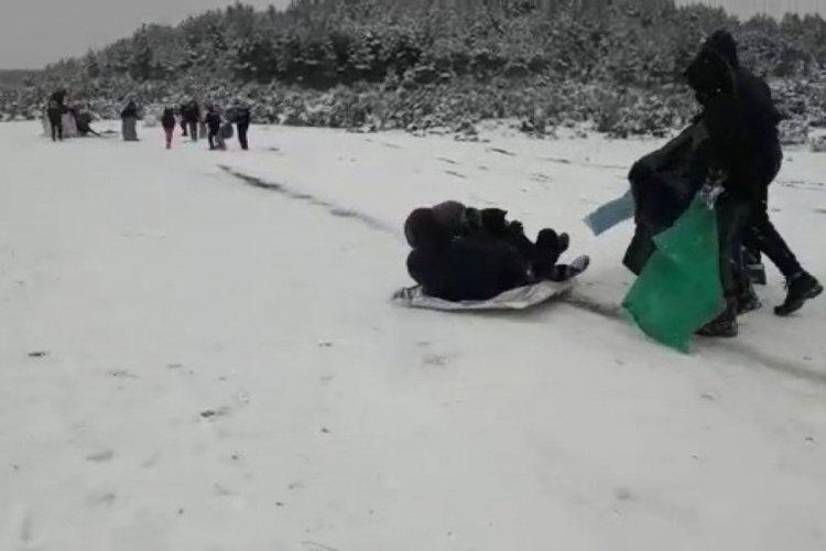 Bursa'da karın keyfini çocuklar çıkardı