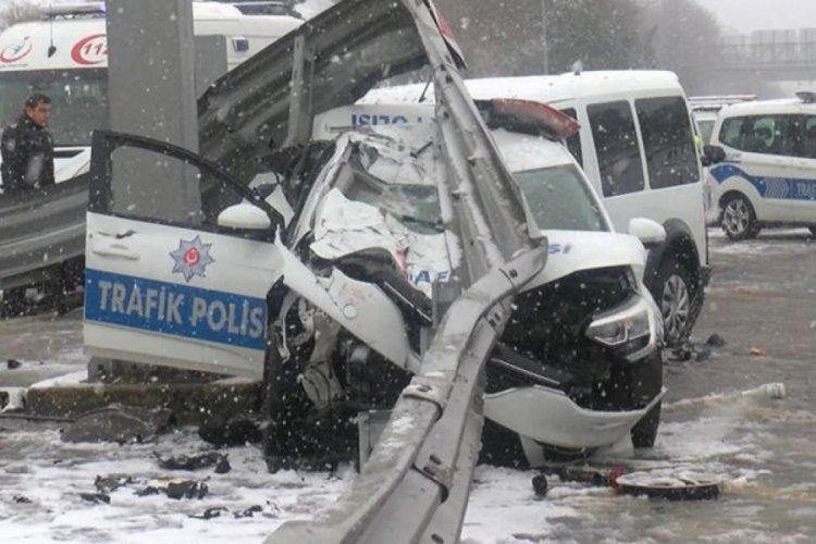Polis araçları kaza yaptı! Yaralı polisler var