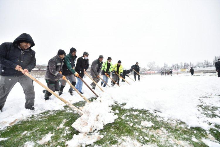 İnegölspor - Sancaktepe FK maçına kar engeli