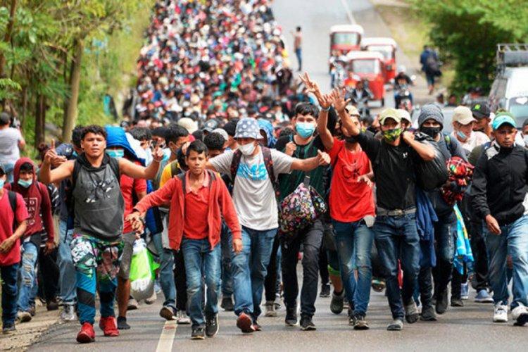 Binlerce kişi yola koyuldu, amaçları ABD'ye ulaşmak